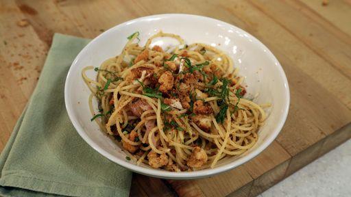 Spaghetti with Crab and Jalapenos MARIO BATALI