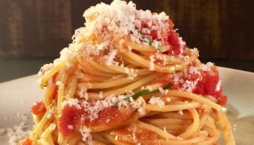 Quick Tomato Sauce CLINTON KELLY