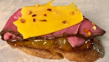 Roast Beef, Cheddar, and Chutney Crostini CLINTON KELLY